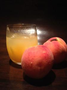 7月のカクテルは、岡山白桃のファジーネーブル!
